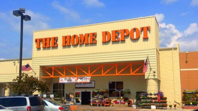 Home Depot shares trading lower despite beating expectations for Q3